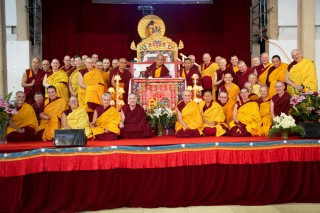 Lama Zopa Rinpoche with IMI Sangha participants, CPMT 2014.  Photo by Steve Alberts.