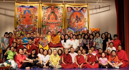 Khen Rinpoche Geshe Chonyi with participants of the 1K Event 2014, Losang Dragpa Centre, Kuala Lumpur, Malaysia, October 2014. Photo by Elenie Tan.