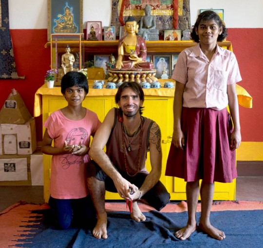 Osel and the pilgrimage group visited Tara Children's Project and Maitreya School, Root Institute, Bodhgaya, India.