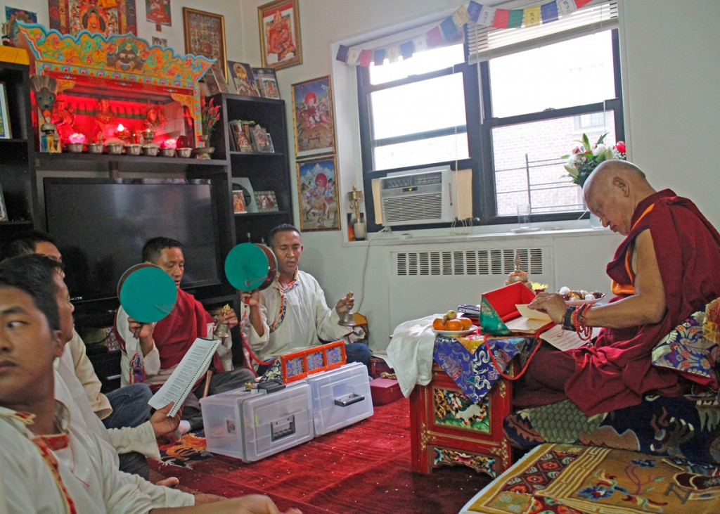 Lama Zopa Rinpoche Spends Time with New York Sherpas