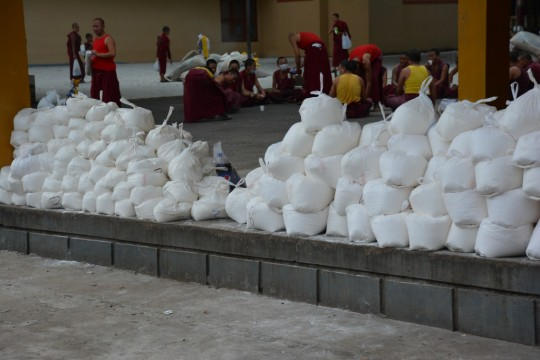 Cooking and food staples, such as flour, were offered to 2,973 monks at Sera Je Monastery over the Summer break.