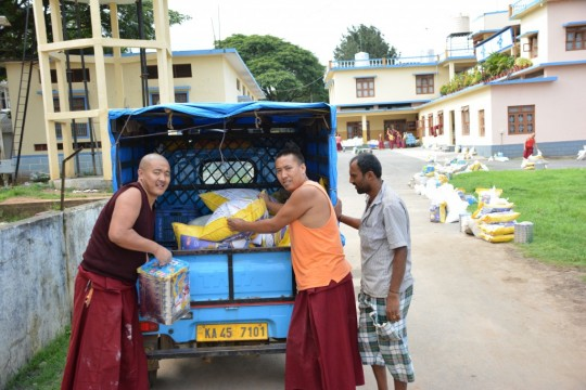 Without support from the Sera Je Food Fund, the monks of Sera Je Monastery would have to struggle to adequately feed themselves when the monastery closes for Summer break.
