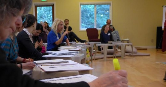 Participants join discussion during a Foundation Service Seminar held at Land of Medicine Buddha, CA, January 2015.