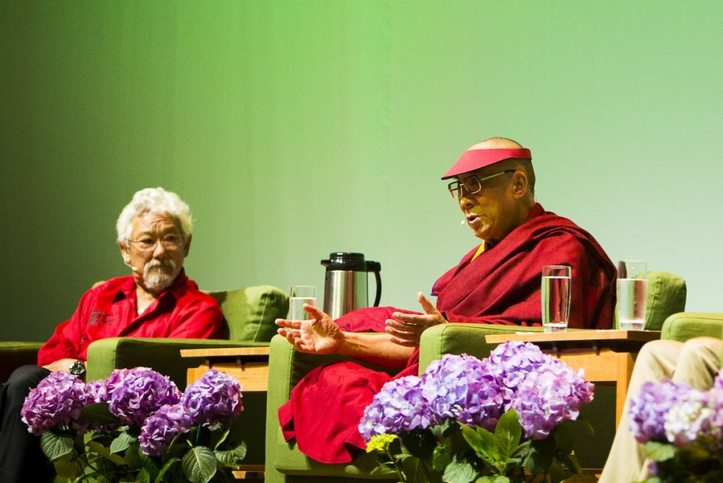 David Suzuki with His Holiness the Dalai Lama, Portland, Oregon, U.S., May 2013. Photo by Leah Nash.