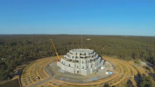 Una vista aérea de la Gran Estupa, 2013. Foto: cortesía de Dee Nissanke.