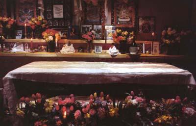Lama's coffin at Vajrapani