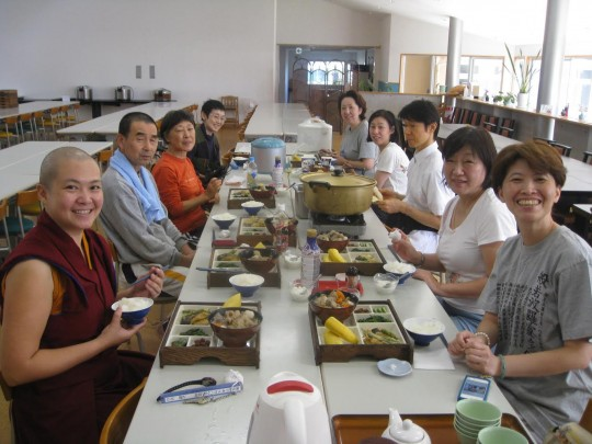 Students from Do Ngak Sung Juk enjoy a delicious lunch during nyung nä, September 2014, Japan. Photo courtesy of Doc O'Connor.