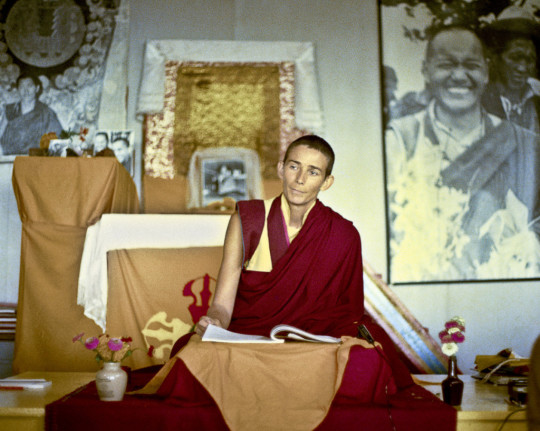 Ven. Ann McNeil teaching at Chenrezig Institute, Eudlo, Australia, 1975. Photo courtesy of the Lama Yeshe Wisdom Archive.
