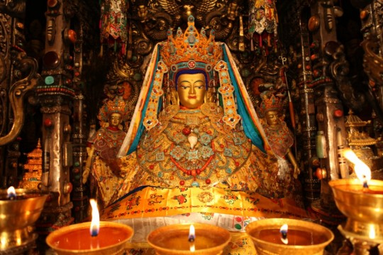 The precious Jowo Buddha statue is offered gold every month on the full moon.