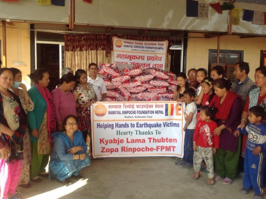 Losang Namgyal Rinpoche and volunteers from the Namgyal Rinpoche Foundation, Kathmandu, Nepal, May 2015. Photo courtesy of Losang Namgyal Rinpoche on Facebook.