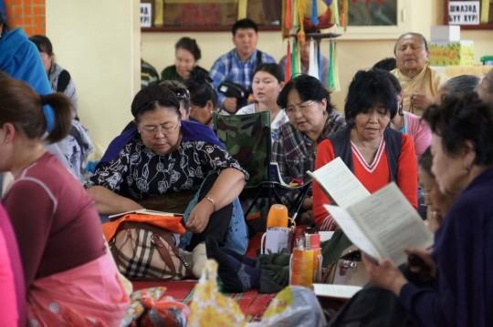 Participants at 100 Million Mani Retreat, Ulaanbaatar, Mongolia, August 2014. Photo courtesy of Ganden Do Ngag Shedrup Ling.