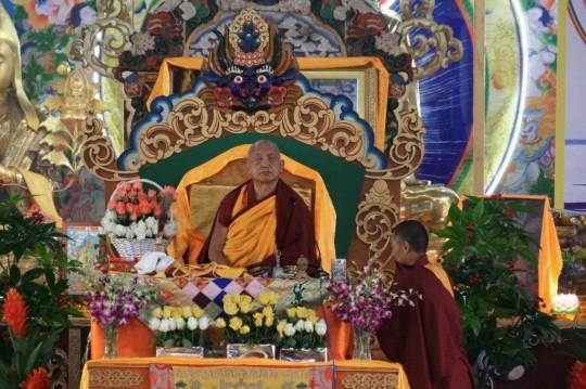 Lama Zopa Rinpoche teaching at 100 Million Mani Retreat, Ulaanbaatar, Mongolia, August 2014. Photo courtesy of Ganden Do Ngag Shedrup Ling.
