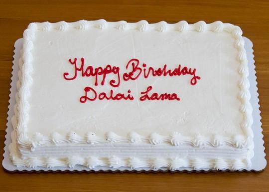 Birthday cake for His Holiness the Dalai Lama at Gyalwa Gyatso Center, California, US, July 2015. Photo courtesy of Gyalwa Gyatso Center.