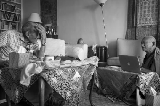 KhyonglaRatoRinpochegivingoraltransmissionstoLamaZopaRinpoche, New York, US, August 2015. Photoby NicholasVreeland.