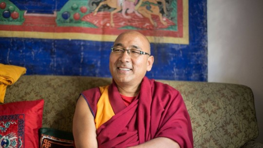 Geshe Sherab during the short interviews with Edward Sczudlo. Photo by Edward Sczudlo