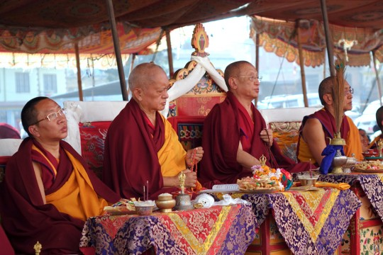Lama Zopa Rinpoche and Chokyi Nyima Rinpoche with Kontsak Rinpoche (far left) and Khen Rinpoche Geshe Chonyi (far right), Kopan Nunnery, Nepal, December 4, 2015. Photo by Ven. Roger Kunsang.