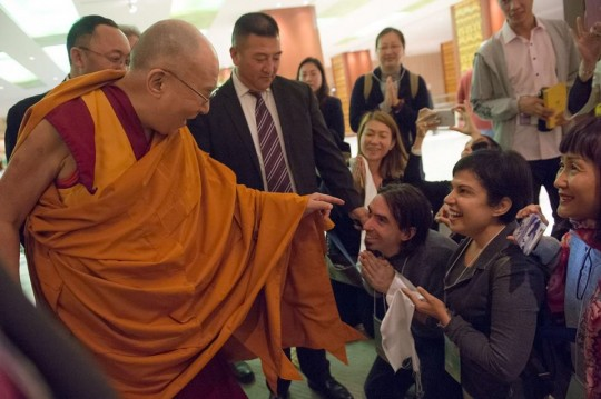 Tenzin Ösel greets His Holiness the Dalai Lama in Japan before His Holiness begins teaching.