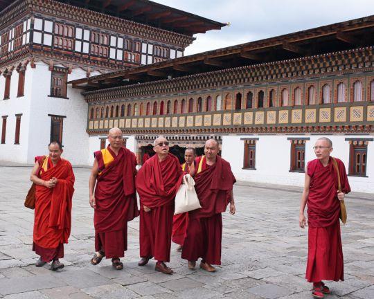 Lama Zopa Rinpoche visiting Tashichö Dzong withGesheTenzinKhenrabandstudents, Thimphu, Bhutan, June 2016. Photo by Ven. Lobsang Sherab.