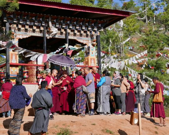 Many Bhutanese gathered to receive blessing strings and Namgyälma protections from Rinpoche at Drakarpo