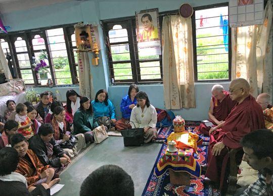 Lama Zopa Rinpochegiving atalkandrecitingmantrastopeoplelivinginaclinicwaitingforkidneytransplantorondialysis, Bhutan, June 2016. Photo by Ven. Lobsang Sherab.