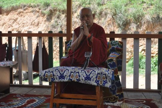 Lama Zopa Rinpoche blessing the animals of JAST.