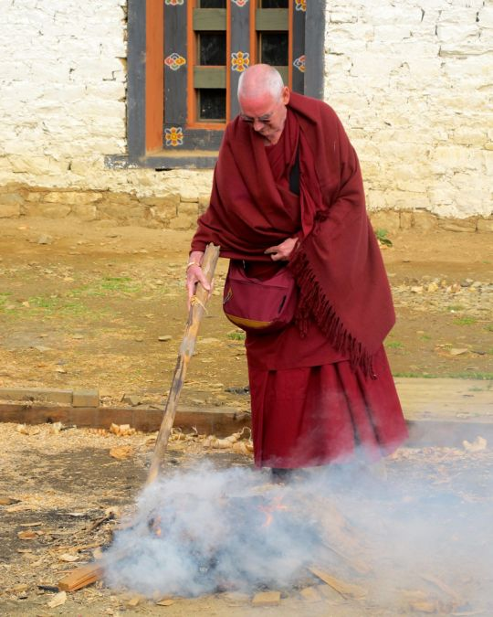 Ven. Roger Kunsang during the  incense puja at Dongkarla Lhakhang, Bhutan, June 2016. Photo by Damien van Effenterre.