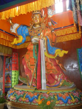 This 13 ft Guru Rinpoche statue had to be airlifted to Lawudo.