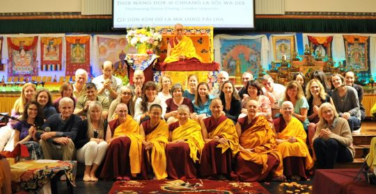 Lama Zopa Rinpoche with the attendees of the North American Regional Meeting 2016, Black Mountain, North Carolina, US, August 2016. Photo courtesy of Drolkar McCallum.