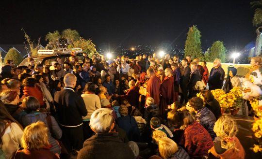 Goingtothestupaone evening, Lama Zopa Rinpoche bumpedintoafewpeopleandanimpromptuteachingonthebenefitsofNamgyalammantra. Kopan Monastery, November 2016. Photo by Ven. Lobsang Sherab.