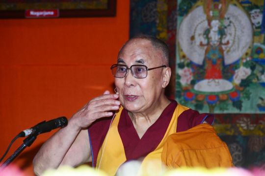 His Holiness the Dalai Lama giving a public talk at the 21st annual Dharma Celebration, New Delhi, India, December 2016. Photo by Subhash.