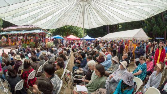 attendees-medicine-buddha-festival-santa-cruz-2017