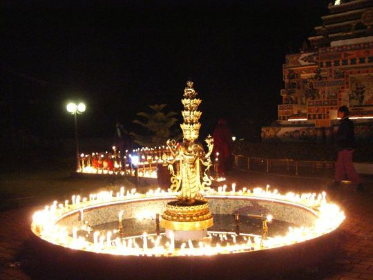 Light offering around the Chenrezig statue at Kopan Monastery on Lama Tsongkhapa Day. Photo courtesy of Kopan Monastery.