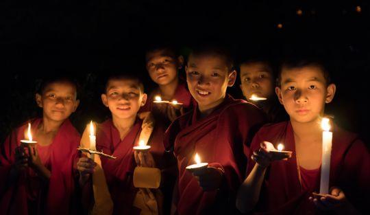 monks-on-ltk-day