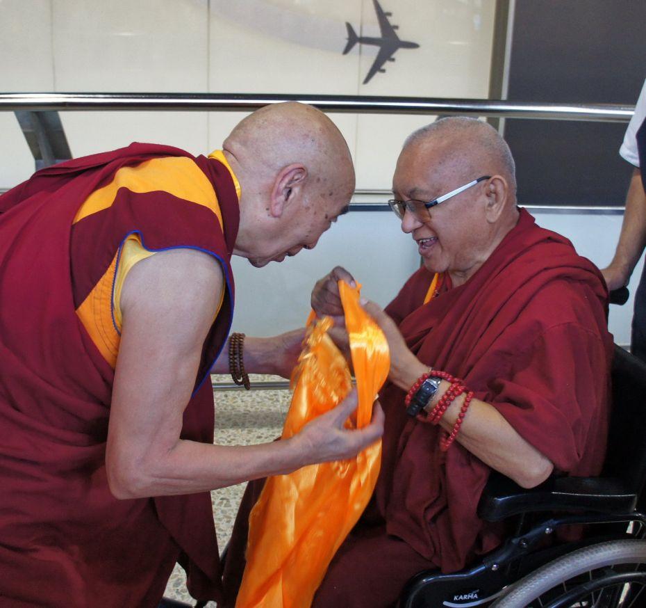 Lama Zopa Rinpoche Arrives In Australia To Lead Retreat Watch