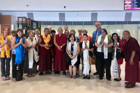 Geshe Ngawang Sonam, H.E. Ling Rinpoche, Geshe Lobsang Yonten, center director John Waite, and students at Perth Airport, Perth, Western Australia, March 2018. Photo courtesy of Ven. Tenzin Khentse.
