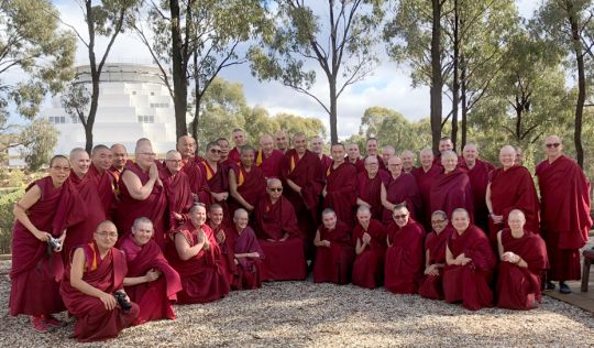 lama-zopa-rinpoche-and-sangha-great-stupa-201805