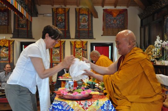 Immacolata Cabras offering a Dharma wheel to Geshe Tenphel, Pomaia, Italy, June 2018