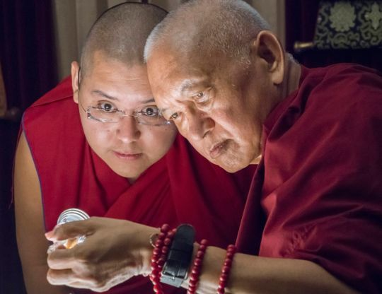 Ling-Rinpoche-Lama-Zopa-Rinpoche-relic-Aptos-CA-201808