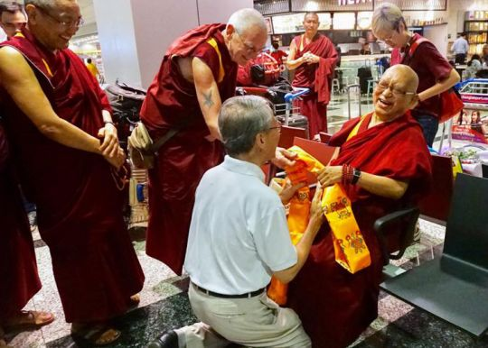 lama-zopa-rinpoche-arrival-singapore-201809-ABCFB