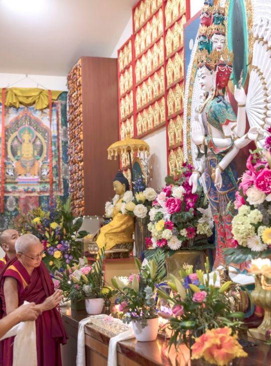 lama-zopa-rinpoche-chenrezig-statue-ci-201806