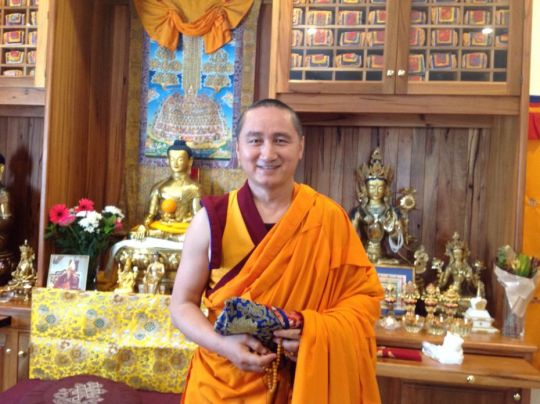geshe-tenzin-zopa-went-to-hospice-of-mother-tara-september-2018-by-julie-halse