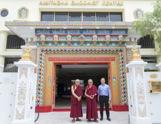 khen-rinpoche-geshe-thubten-chonyi-and-tan-hup-cheng-with-lama-zopa-rinpoche-in-front-of-amitabha-buddhist-centre-singapore-september-2018-by-ven-lobsang-sherab