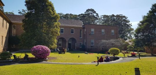 discussion-groups-meeting-outside-of-peter-canisius-house-in-pymble-new-south-wales-australia-september-2018-photo-by-vajrayana-institute