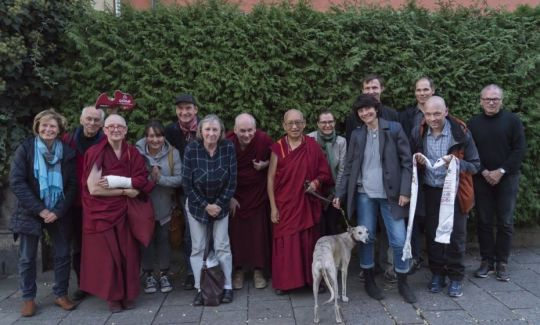 aryatara-institut-group-with-lama-zopa-rinpoche-wishing-him-a-safe-journey-to-switzerland-munich-germany-november-2018-by-ven-lobsang-sherab