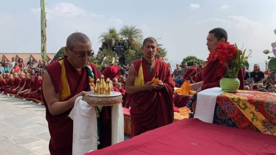 khen-rinpoche-making-the-offering-at-the-beginning-of-celebration-for-lama-zopa-rinpoche-birthday-at-kopan-monastery-december-2018-photo-by-kopan-monastery-school