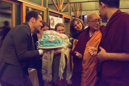 lhagsam-study-group-zurich-offered-a-vegan-cake-to-lama-zopa-rinpoche-longku-center-november-2018-photo-by-séverine-gondouin