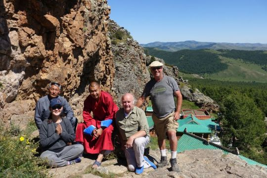 driver-oyunbaatar-center-director-ianzhina-lama-of-tuvkhun-monastery-cees-and-bill-in-mongolia-while-on-a-pilgrimage-organized-by-ganden-do-ngag-shedrup-ling-august-2018-photo-from-ianzhina-bartanova