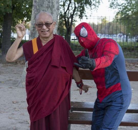 lama-zopa-rinpoche-and-a-person-in-a-spider-man-costume-in-retiro-park-madrid-spain-october-24-2018-photo-by-ven-lobsang-sherab