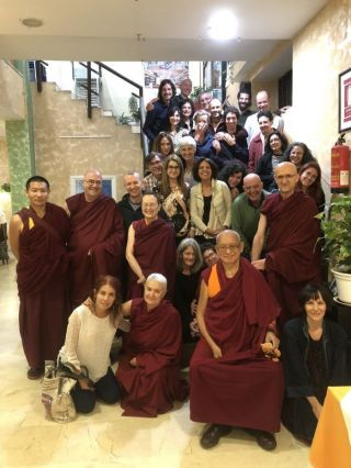 lama-zopa-rinpoche-and-the-fpmt-spain-center-staff-members-after-dinner-madrid-spain-october-25-2018-photo-by-ven-roger-kunsang