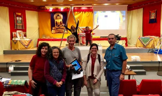 volunteers-preparing-auditorio-ugt-for-lama-zopa-rinpoche-teachings-madrid-spain-october-2018-photo-courtesy-centro-nagarjuna-valencia